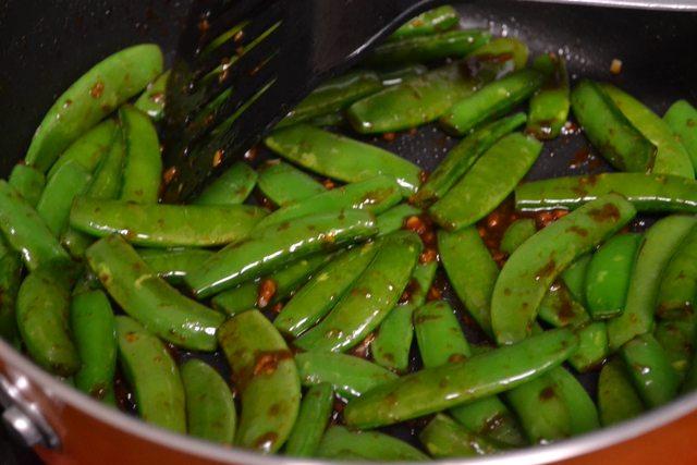 Green peas saute